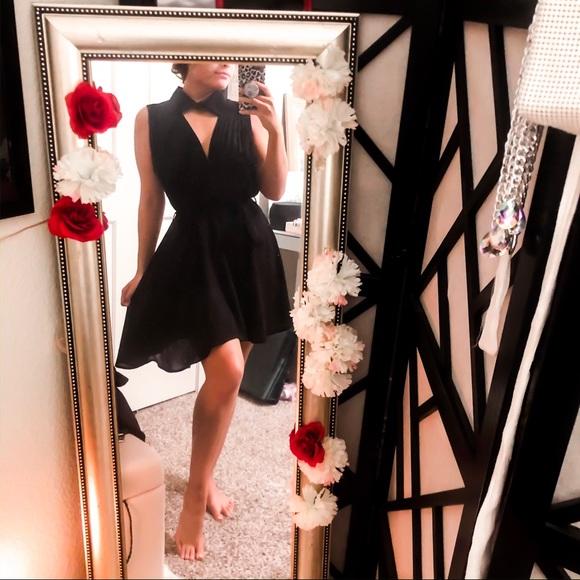 Nasty Gal Dresses & Skirts - Sexy LBD work to play pleated deep v collar dress